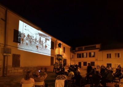 proiezioni-in-piazza-Cuzzolu-durante-la-serata-conclusiva